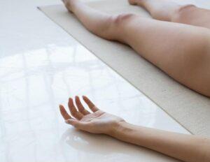 Svasana Nackt Yoga Pose