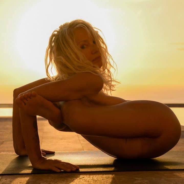 Nackt Yoga Flocke
