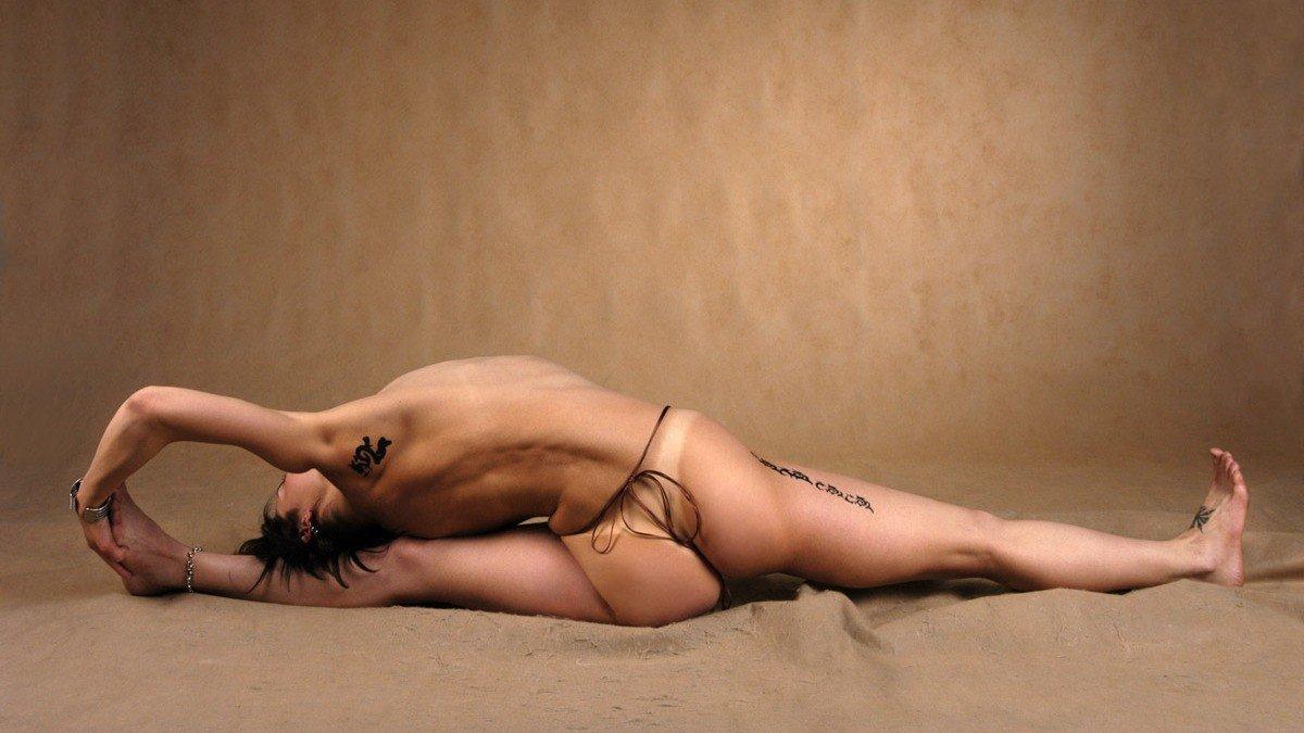 Nackt-Yoga Posen