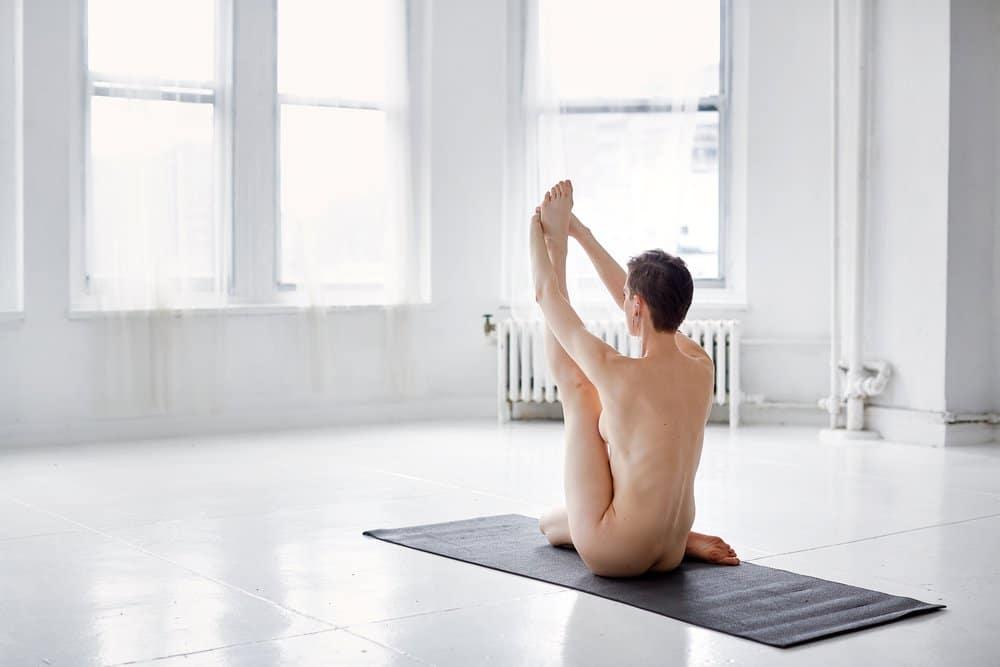Nackt Yoga für Anfänger: Nackt Pilates - 9 Stehende Beinübungen