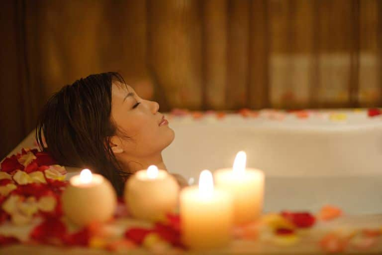 Kerzen reinigen auch die Luft und entfernen negative Energie