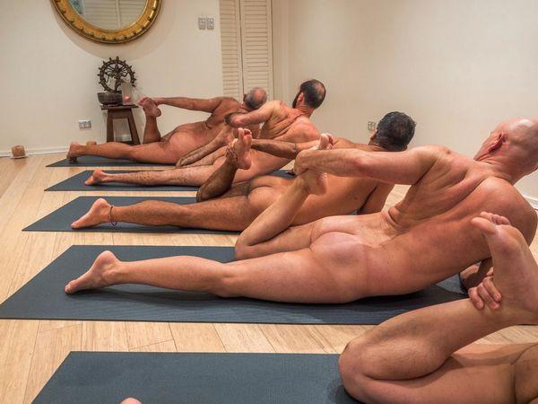 Nackt Yoga unter Männern war für mich ein sehr erotisches Erlebnis.