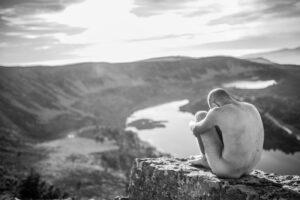 Ich besuchte einen Nackt-Yoga-Kursus und es war eine sehr erotische Erlebnis