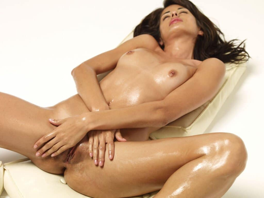 Ayurveda Nackt Selbstmassage