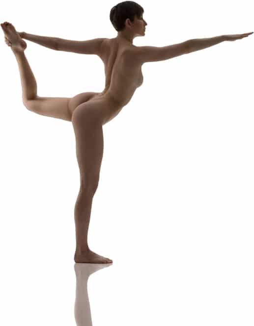 """Nackt-Yoga-Pose: """"Tänzerstellung"""""""
