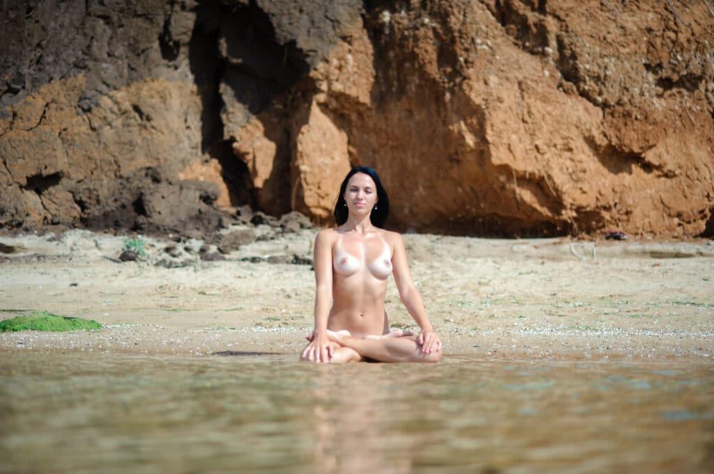 Nackt meditieren