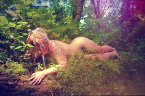 Sexplorers Nackt Yoga mit Bonni B Good