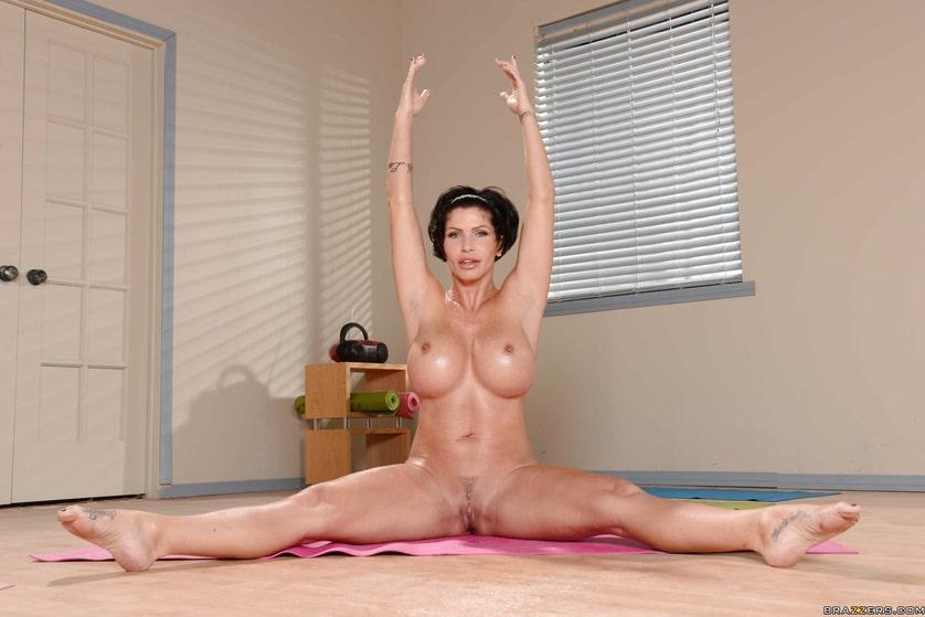 Milf Nackt-Pilates für Ältere