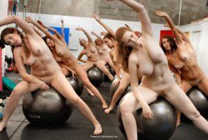 Nackt-Pilates - Pilates nackt training